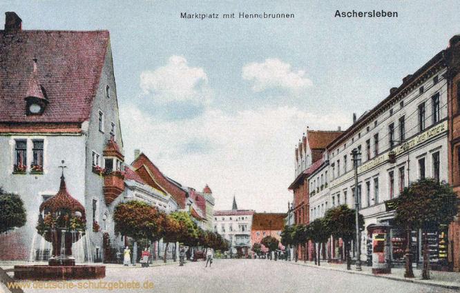 Aschersleben, Marktplatz mit Hennebrunnen