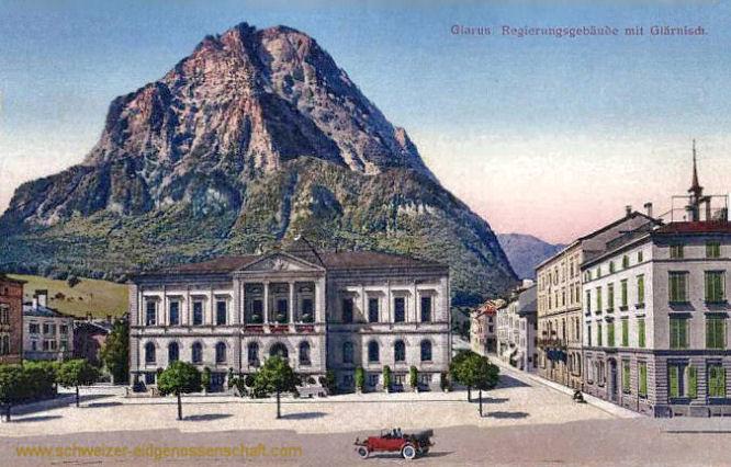Glarus, Regierungsgebäude mit Glärnisch