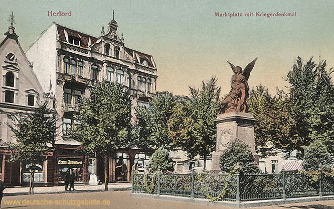 Herford, Marktplatz mit Kriegerdenkmal