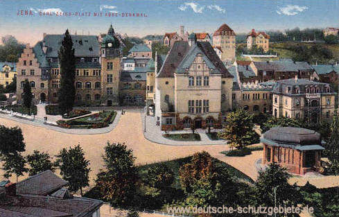 Jena, Carl-Zeiss-Platz mit Abbe-Denkmal