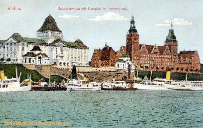 Stettin, Hakenterrasse mit Dampfer im Vordergrund