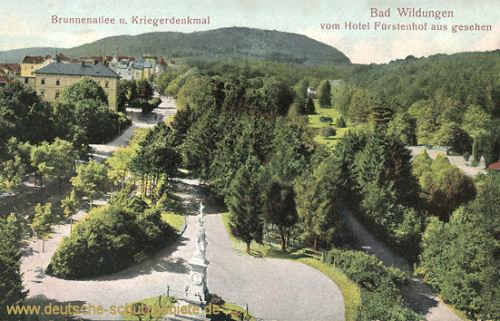 Bad Wildungen, Brunnenallee und Kriegerdenkmal