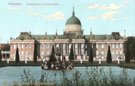 Potsdam, Stadtschloss mit Neptunsteich