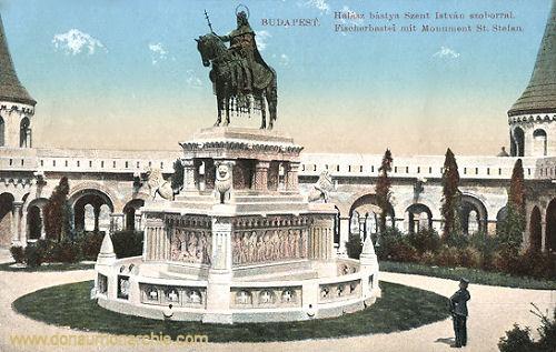 Budapest, Fischerbastei mit Monument St. Stefan