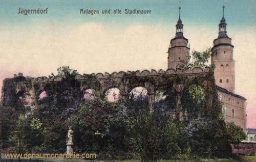 Jägerndorf, Anlagen und alte Stadtmauer
