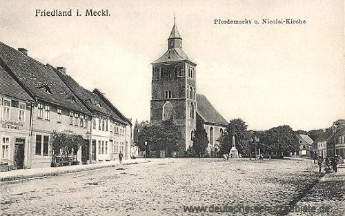 Friedland in Mecklenburg, Pferdemarkt und Nicolaikirche