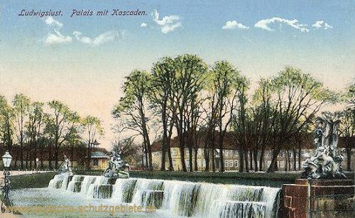 Ludwigslust, Palais mit Kascaden