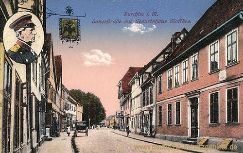 Parchim i. M., Langestraße mit Geburtshaus Molkes