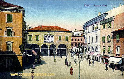 Pola, Piazza Foro