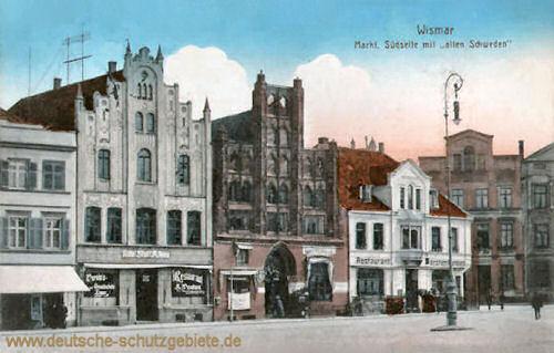 """Wismar, Markt Südseite mit """"alten Schweden"""""""
