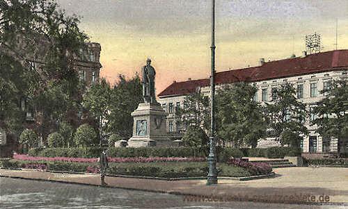 M.-Gladbach, Königsplatz mit Bismarck-Denkmal