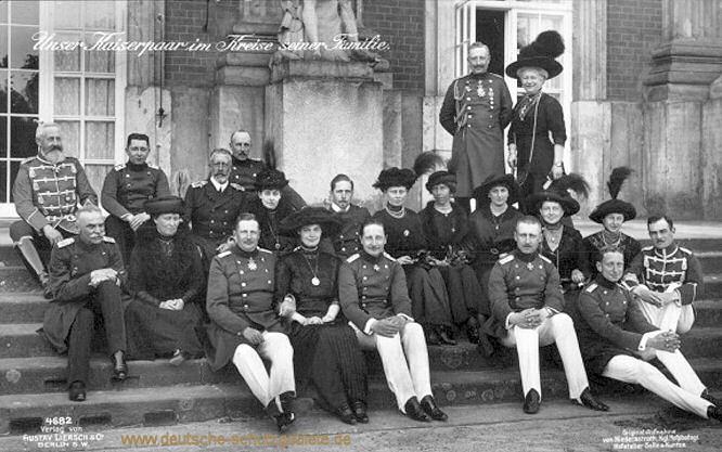 Unser Kaiserpaar im Kreise seiner Familie