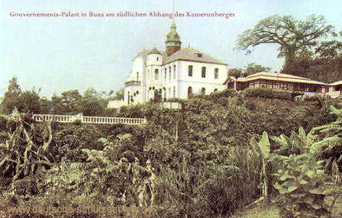 Gouvernements-Palast in Buea am südlichen Abhang des Kamerunberges