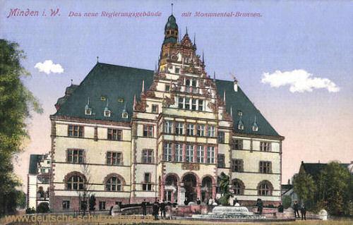 Minden i. W., Das neue Regierungsgebäude mit Monumental-Brunnen