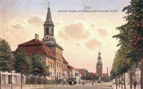 Tilsit, Deutsche Straße mit Rathaus und Deutscher Kirche