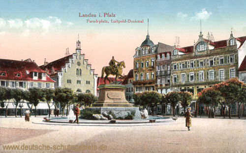 Landau i. Pfalz, Paradeplatz, Luitpold-Denkmal