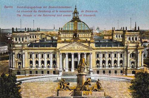 Berlin, Reichstagsgebäude mit Bismarckdenkmal