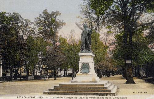 Lons-le-Saunier, Statue de Rouget de Lisle et Promenade de la Chevalerie