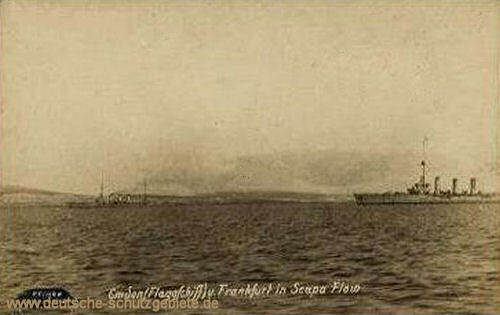 Flaggschiff Emden und Frankfurt in Scapa Flow