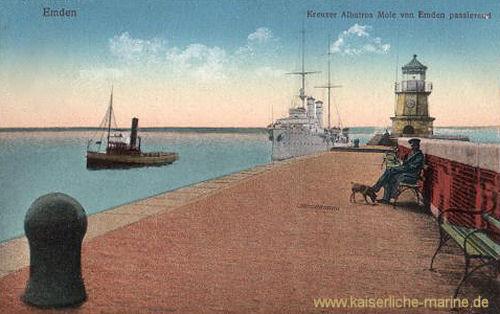 Emden - S.M.S. Albatross Mole von Emden passierend