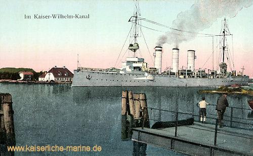 Schiff der Kolberg-Klasse im Kaiser-Wilhelm_Kanal