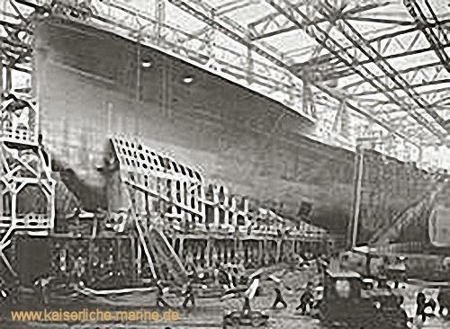 S.M.S. Mackensen auf der Werft Blohm & Voss in Hamburg