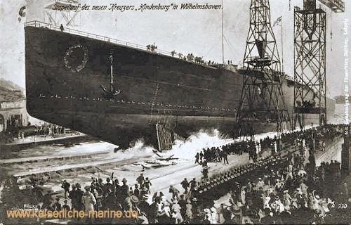 """Stapellauf des neuen Kreuzers """"Hindenburg"""" in Wilhelmshaven"""