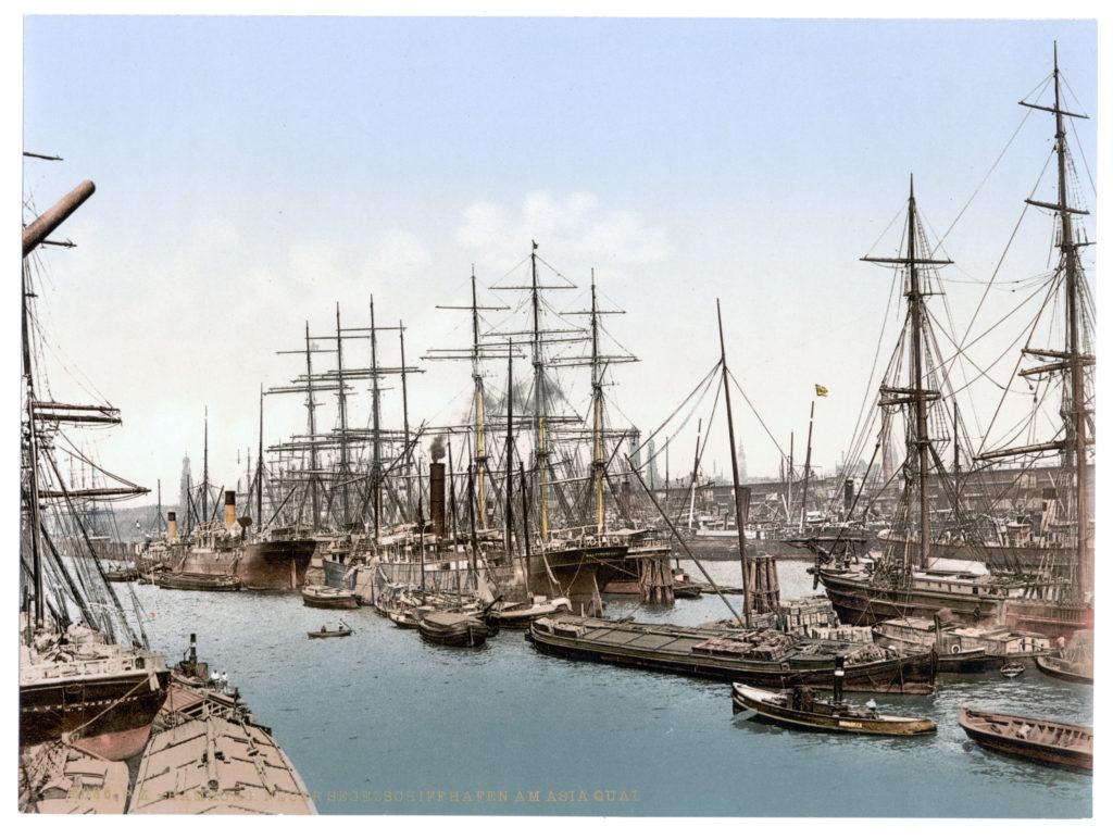 Hamburg Neuer Segelschiffhafen am Asiaquai