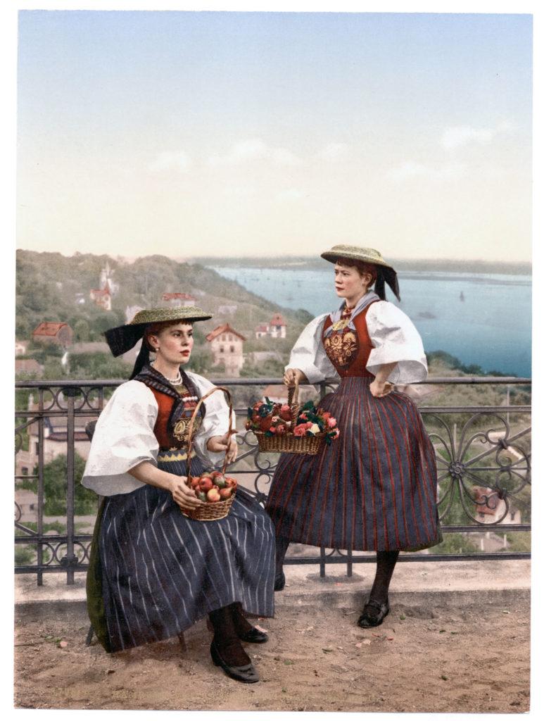 Hamburg Vierländer National Costüm