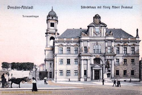 Dresden-Altstadt, Ständehaus mit König Albert Denkmal