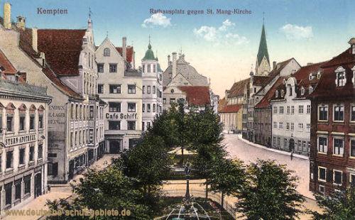 Kempten, Rathausplatz gegen St. Mang-Kirche
