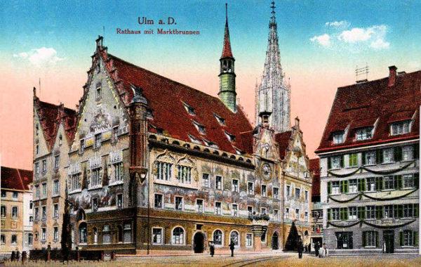 Ulm, Rathaus mit Marktbrunnen