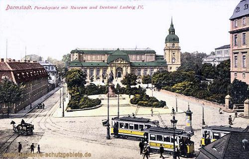 Darmstadt, Paradeplatz mit Museum und Denkmal Ludwig IV.