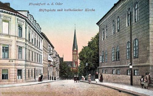 Frankfurt a. O, Stiftsplatz mit katholischer Kirche
