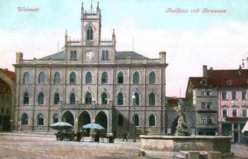 Weimar, Rathaus mit Brunnen