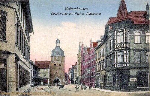 Waltershausen, Hauptstraße mit Post und Nikolaustor
