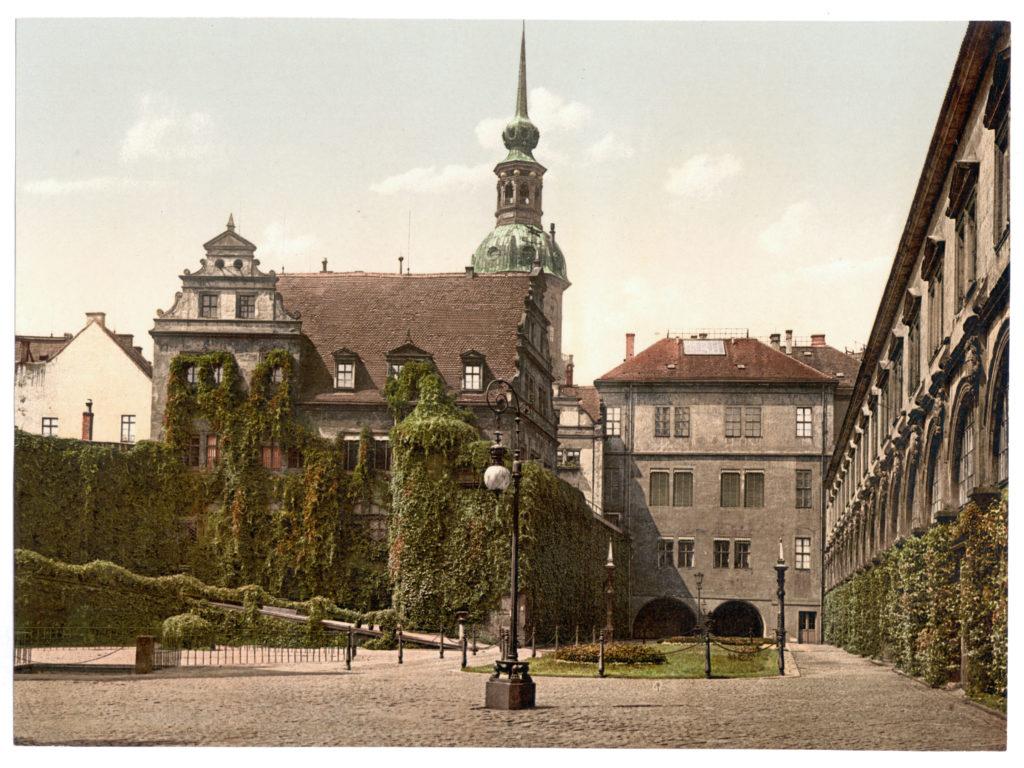 Dresden. Der Schlosshof