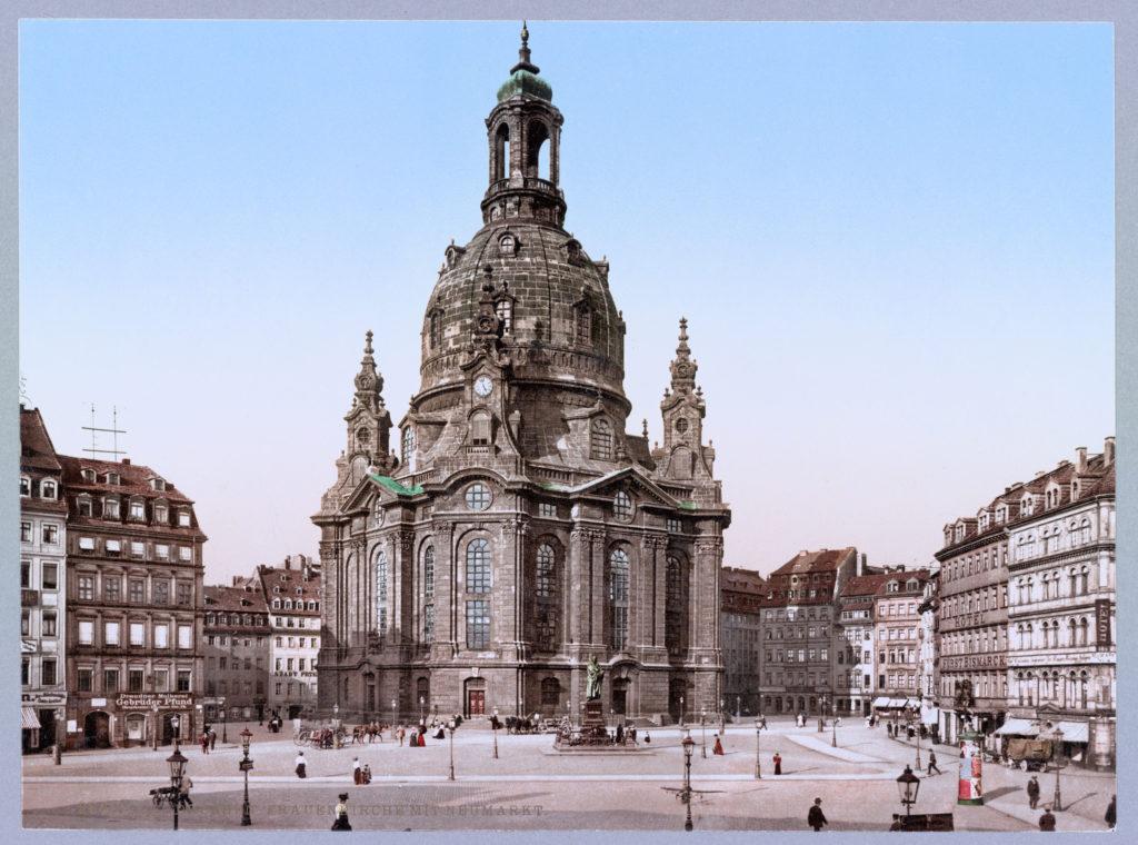Dresden. Frauenkirche mit Neumarkt