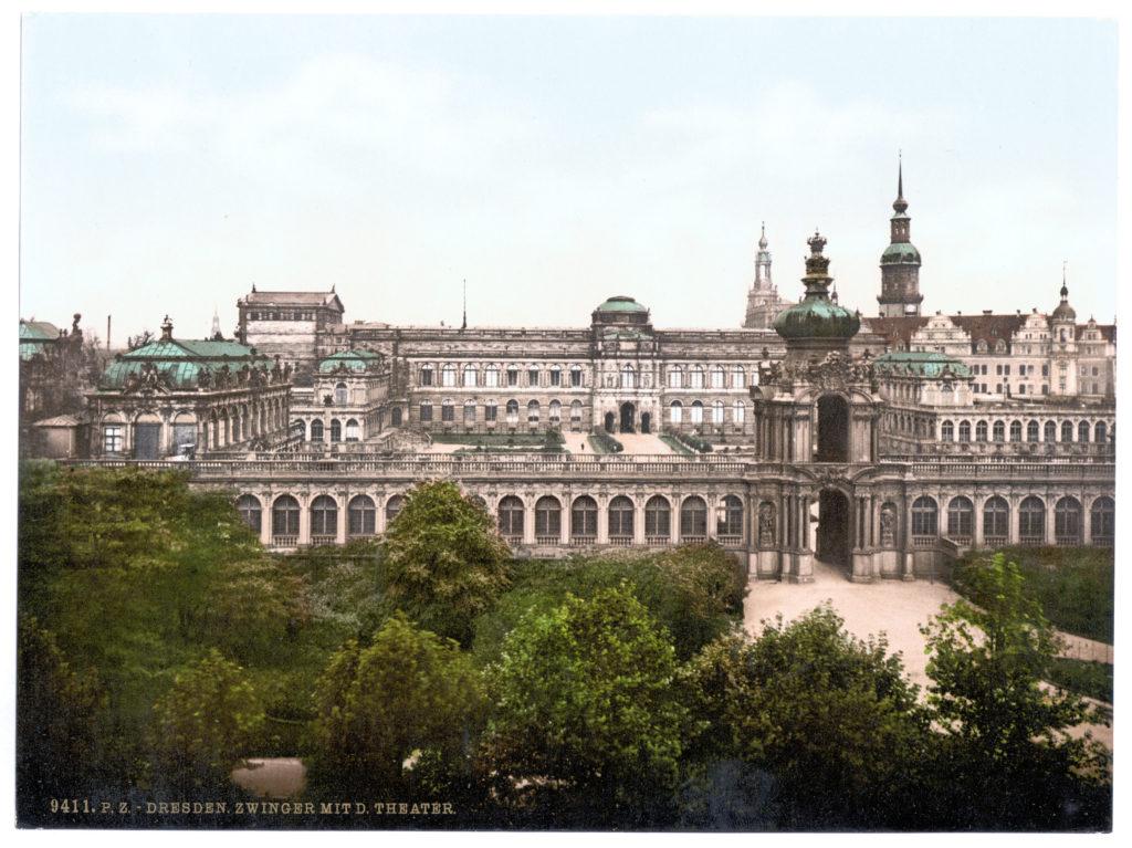 Dresden. Zwinger mit Theater