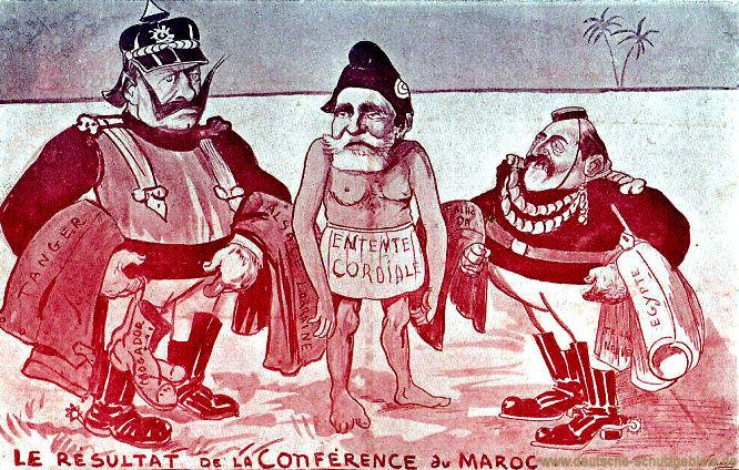 """Das Resultat der Algeciras-Konferenz: Kaiser Wilhelm II. besitzt den Erfolg von Tanger und immer noch Elsaß-Lothringen, Frankreichs Premierminister musste die Hosen runterlassen und die """"entente cordiale"""" kommt zum Vorschein, der englische König Eduard VII. konnte dank der Verträge mit Frankreich u.a. Ägypten für Großbritannien sichern. Die französische Karikatur sieht also Frankreich als Verlierer der Ersten Marokkokrise."""
