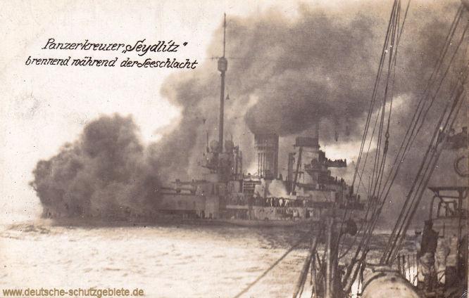 Panzerkreuzer Seydlitz brennend während der Seeschlacht
