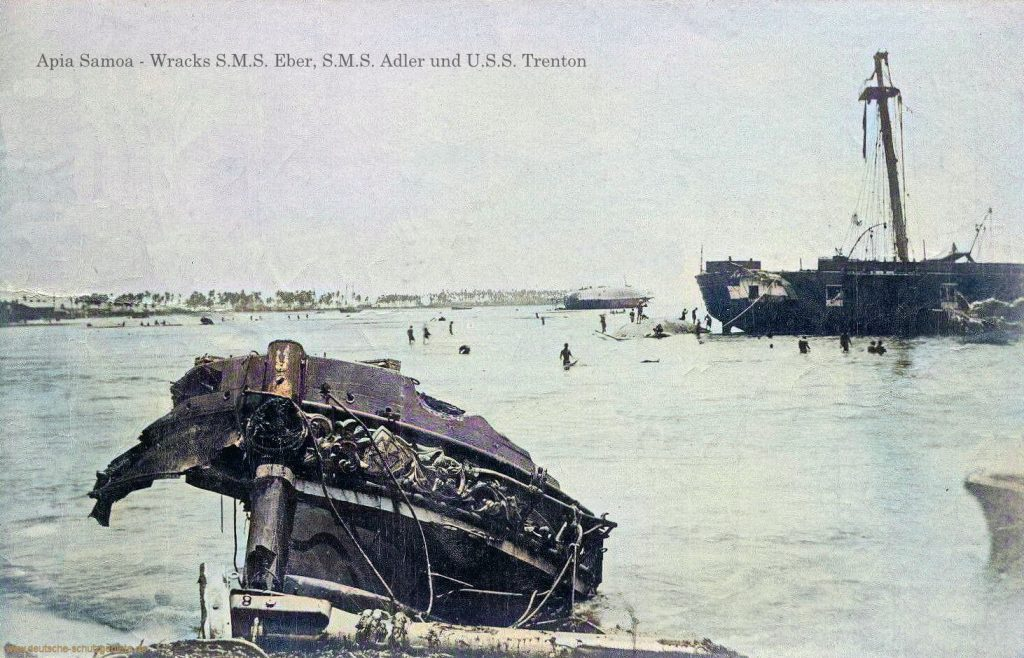 Apia Samoa - Wracks S.M.S. Eber (links), S.M.S. Adler (Mitte) U.S.S. Trenton (rechts)