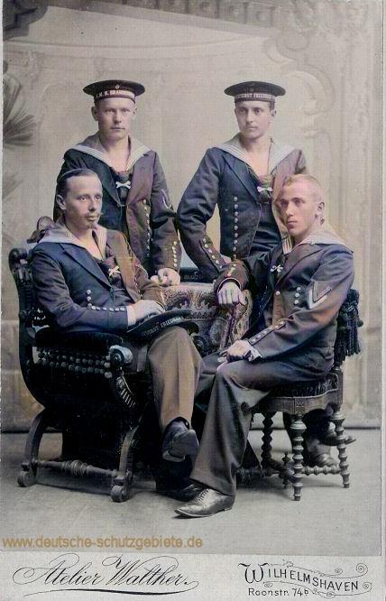 Besatzungsmitglieder von S.M.S. Brandenburg und S.M.S. Kurfürst Friedrich Wilhelm