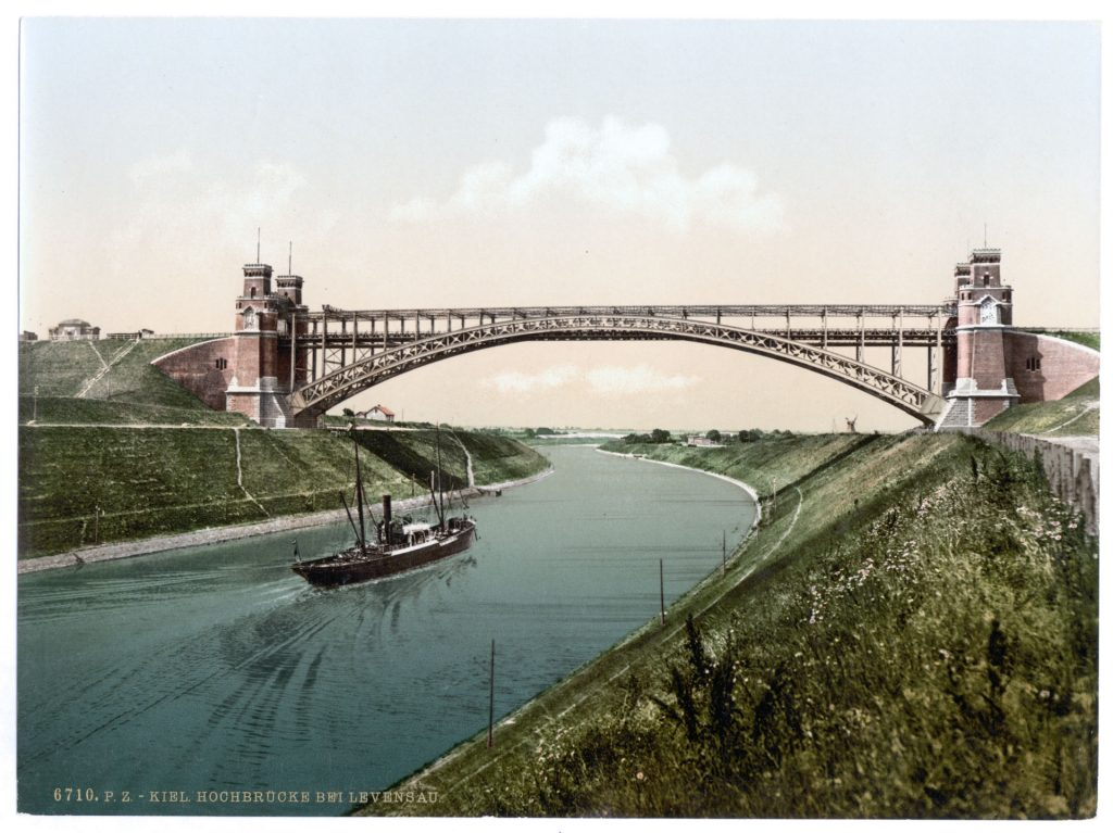 Kiel. Hochbrücke bei Levensau.