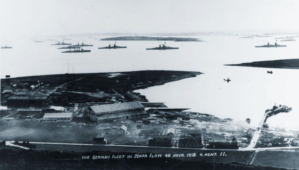 The German fleet in Scapa Flow 28. Novr. 1918. T. Kent